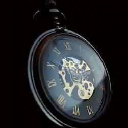 reloj de bolsillo moderno