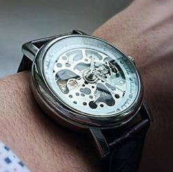 reloj haiqin esqueleto